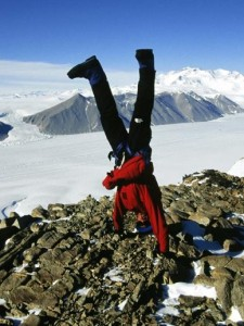 handstand-scientist-516349-sw
